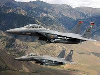 Два боевых самолёта в горной местности