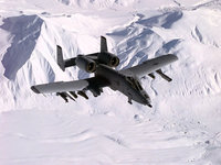Самолёт A-10 Тандерболт II летит на севере
