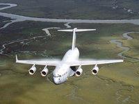 Самолёт C-17 Globemaster 3 в полёте