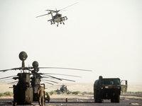 Военная вертолетная площадка с вертолетами
