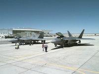 F22 Raptor на аэродроме