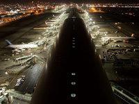Аэропорт ночью, ночной аэропорт