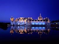 Замок Шантийи ночью, Франция
