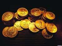 Стопки золотых монет