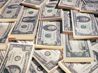 Много долларов в пачках