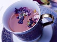 Чай с лепестками цветов