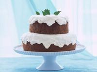 Двух ярусный торт на подставке