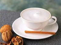 Кофе с корицей и грецкими орехами