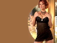 Представительница прекрасного пола на ярком фото