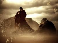 Мрачная парочка в тумане