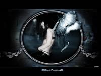 Девушка с крыльями