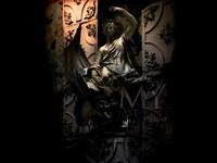 Темная статуя