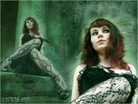 Стильная тёмноволосая женщина