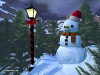 Снеговик, фонарь в елках