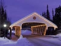 Новогоднее украшение моста