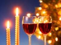 Два бокала и свечи