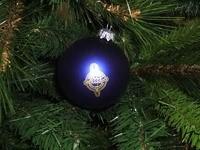 Синий шар  на елке