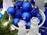 Голубые шары и снеговики