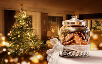 Печенья в банке у ёлки