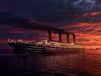 Титаник в океане на закате