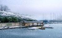 Снег на озере