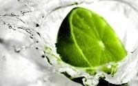 Зеленый фрукт