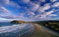 Волны и пляж