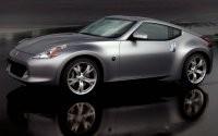 Nissan серебристый