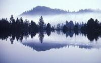 Отражение горы в озере