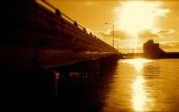Солнце и мост