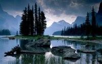 Островок в горном озере