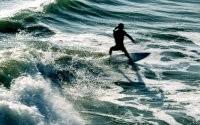 Сёрфинг на волнах