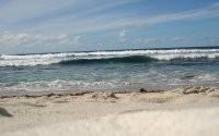 Морские волны на пляже