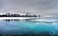 Замерзший водоем
