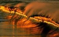 Закат солнца на волнах