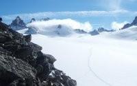 Снег высоко в горах