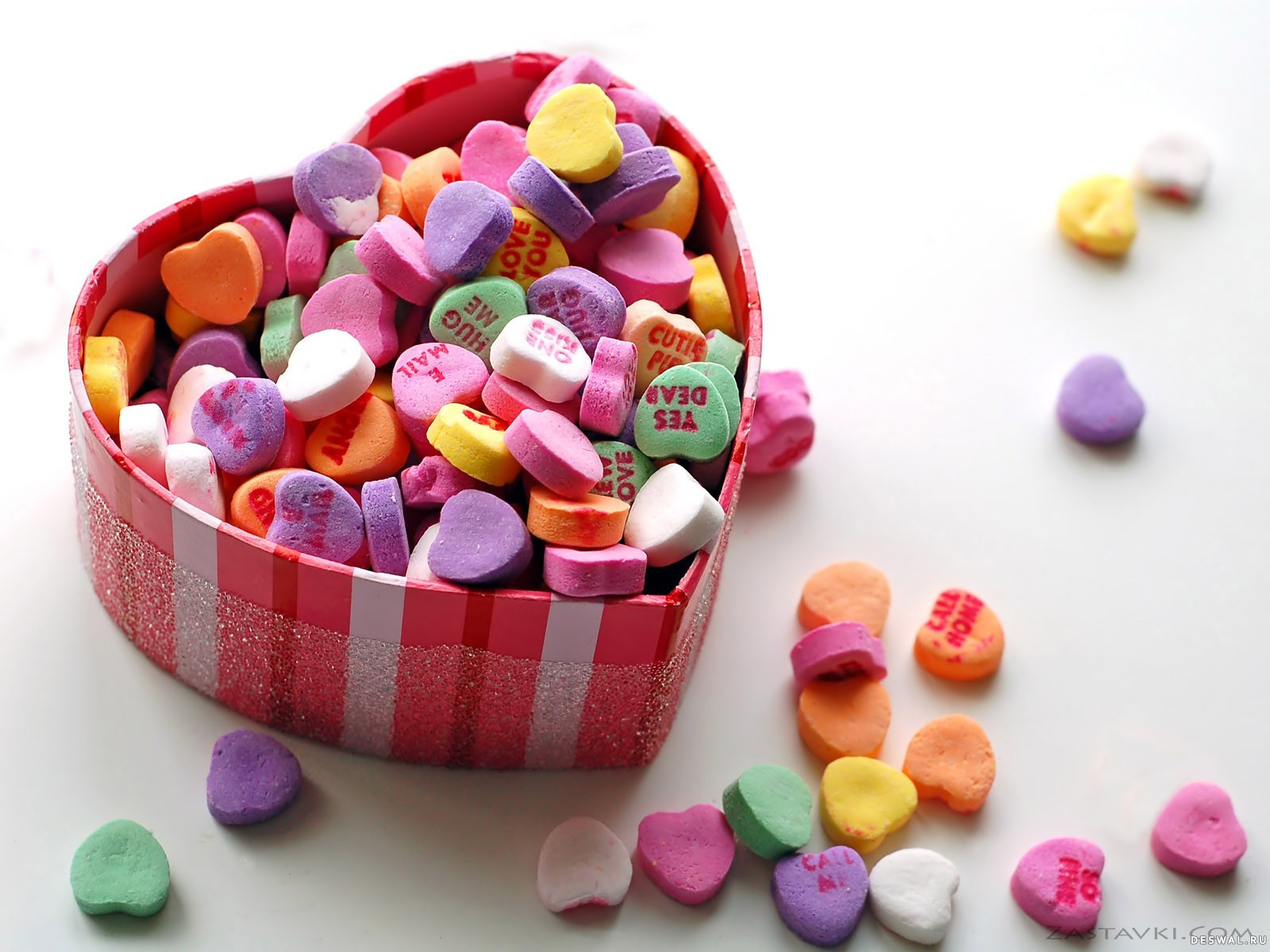 Фото 32. Нажмите на картинку с романтическими обоями - любовь, чтобы просмотреть ее в реальном размере