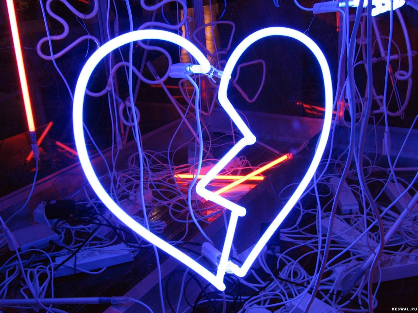 Фото 39. Нажмите на картинку с романтическими обоями - любовь, чтобы просмотреть ее в реальном размере