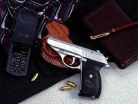 Фото 33. Обои для рабочего стола: обои с оружием