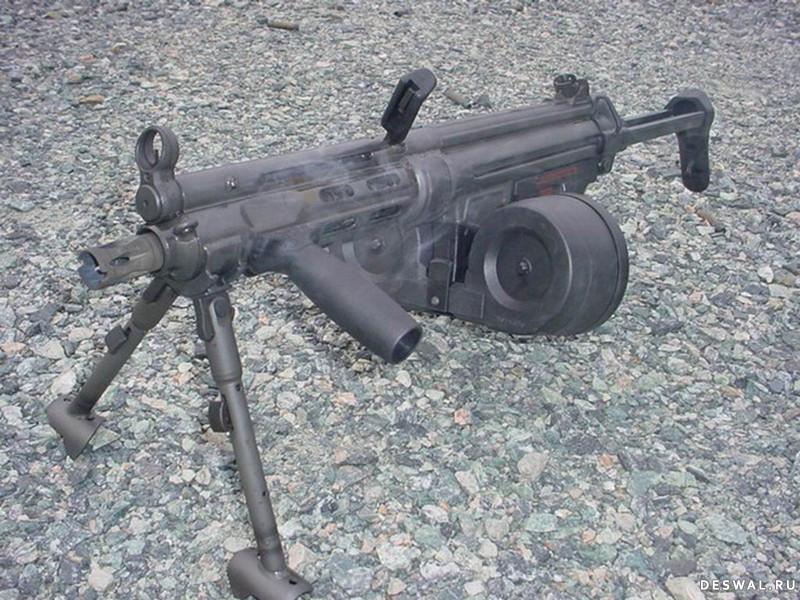 Фото 20. Нажмите на картинку с обоями оружия, чтобы просмотреть ее в реальном размере