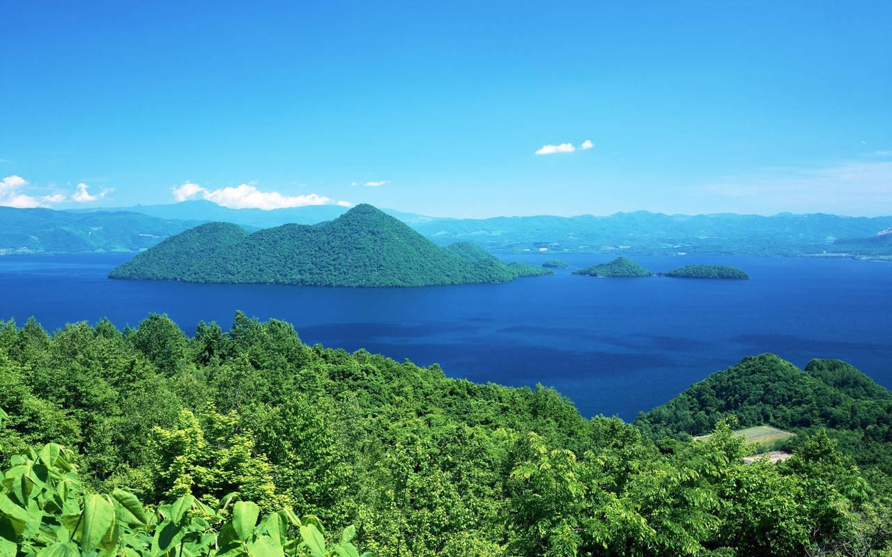 Острова на озере нажмите на картинку