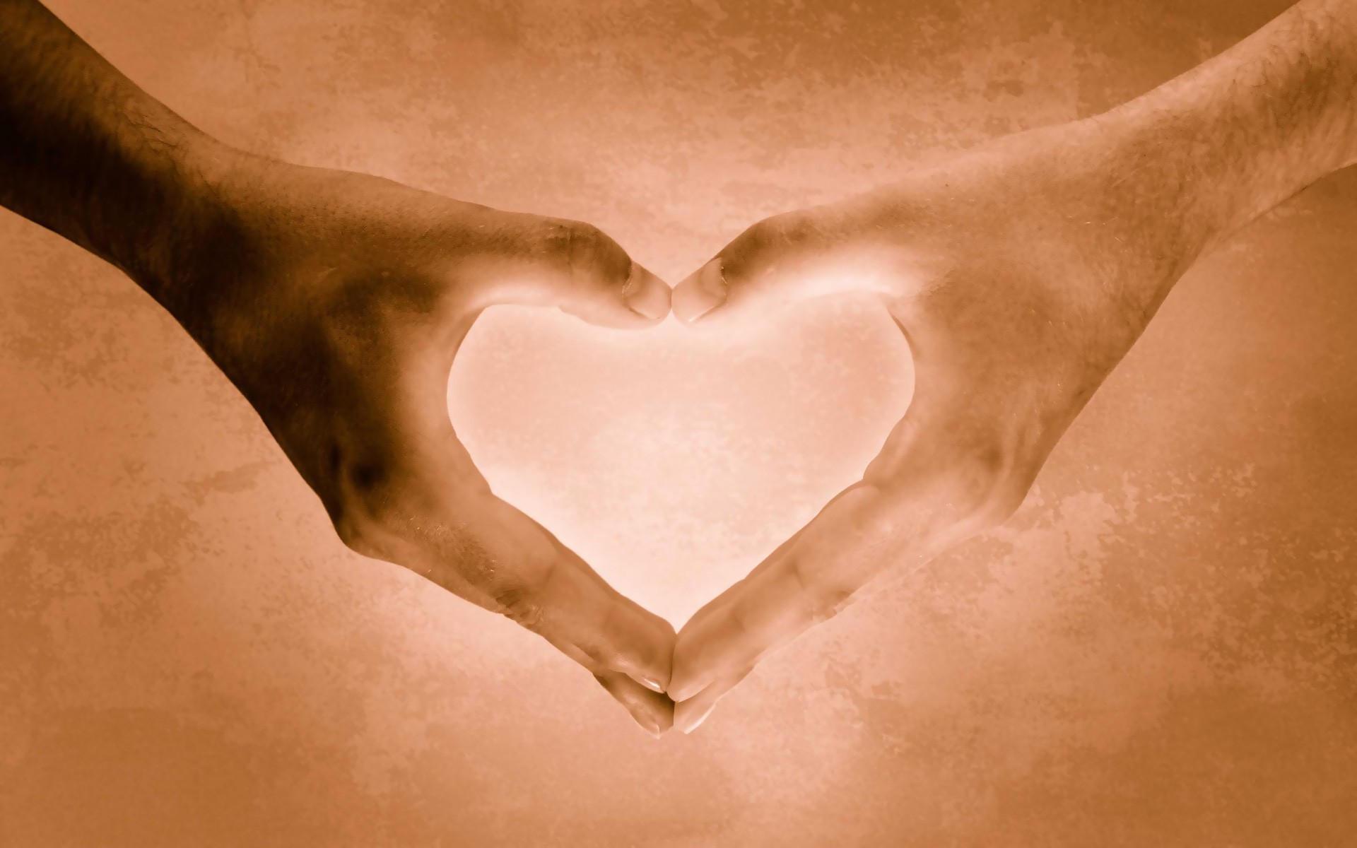 Пальцы сердцем
