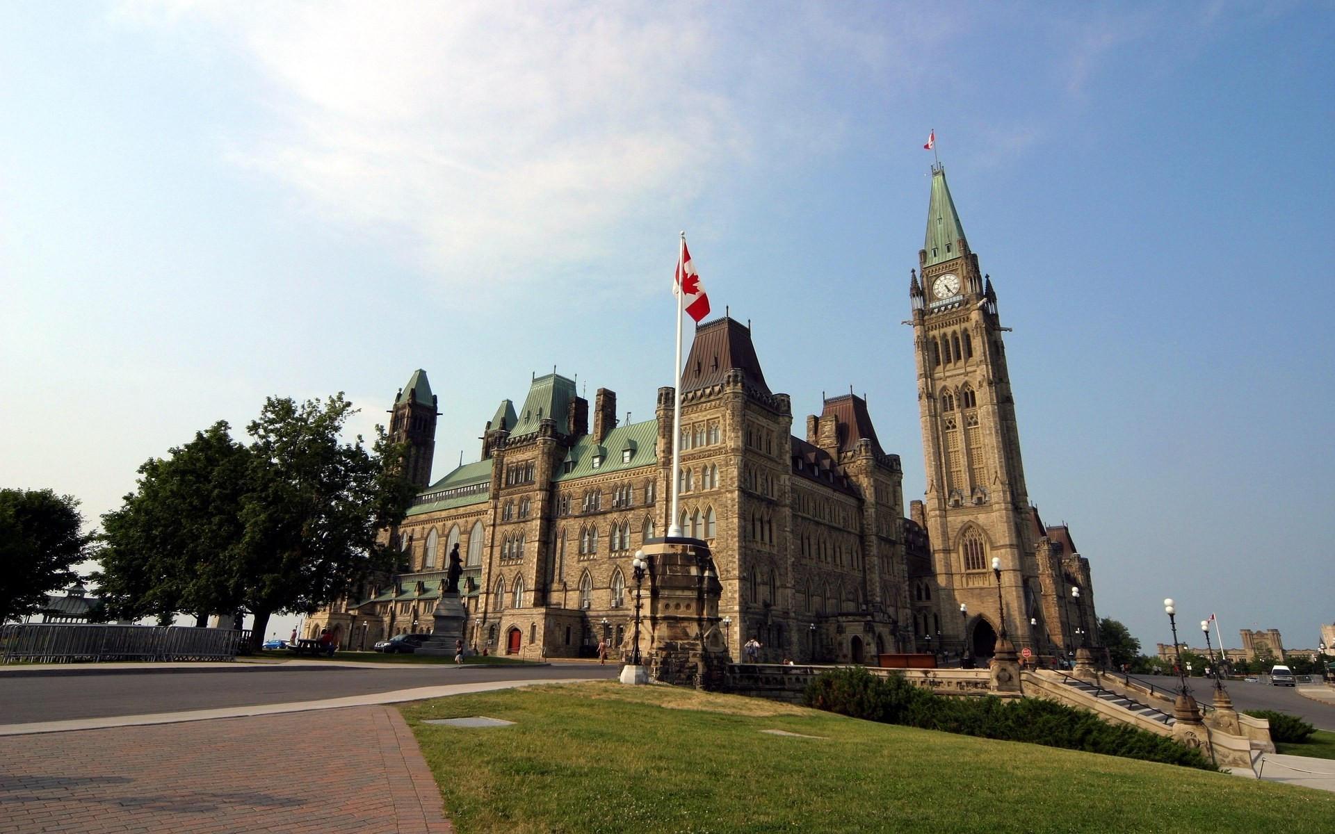 Старый замок в Канаде