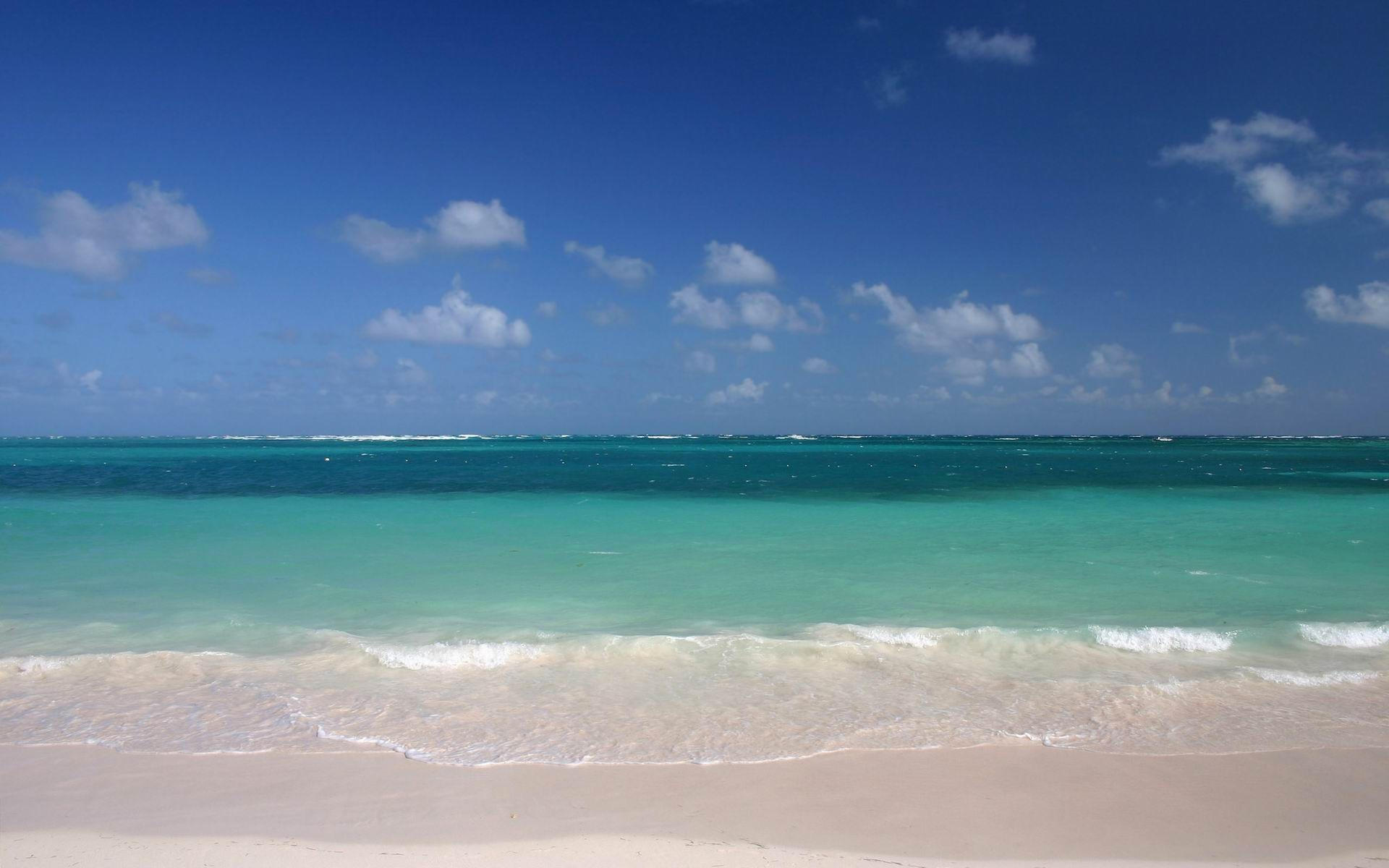 Спокойный пляж